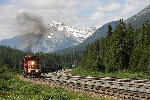 Freight transport along the Canadian Pacific Railway