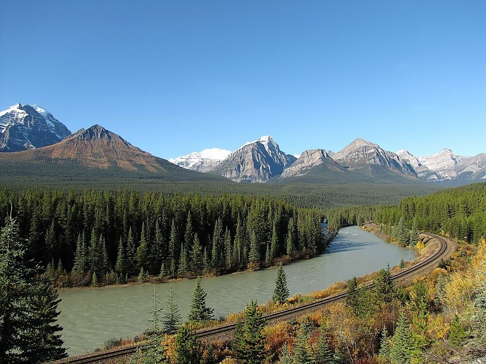 view from the Bow Valley Parkway